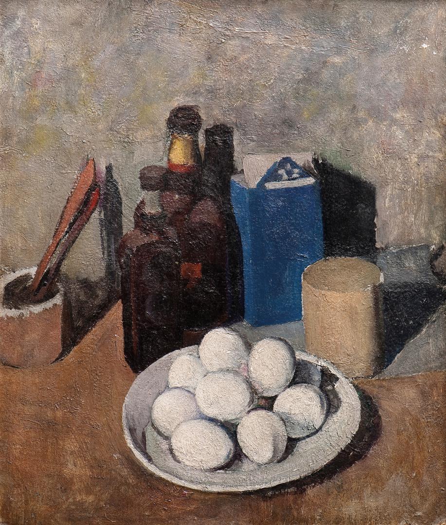 Composizione con uova e scatola blu